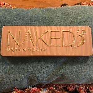 NEW Naked 3 pallete